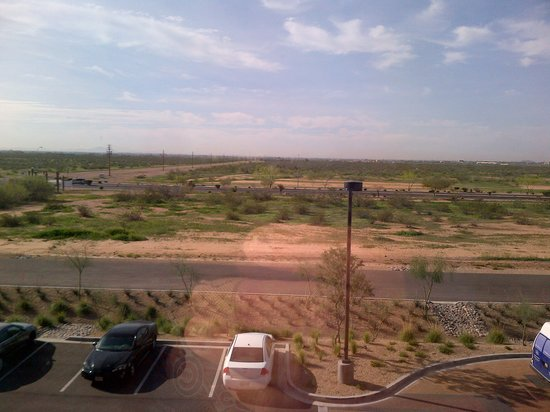 Hampton Inn & Suites Scottsdale/Riverwalk: view from room window