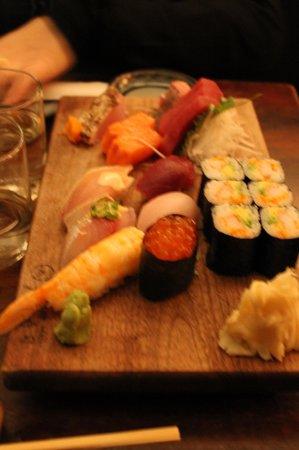 Blue Ribbon Sushi: sushi-sascimi comb. 39$