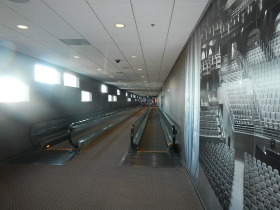 """Palms Place Hotel and Spa: """"The Habitrail"""" - the passageway from Palms to Palms Place"""