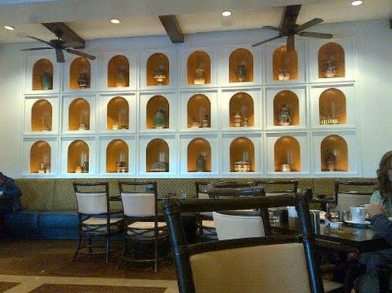 The Westin Lake Las Vegas Resort & Spa: This is a wall inside the Cafe. Vases are very beautiful