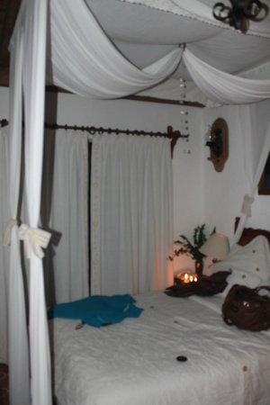 Meson Del Rosario : decorado de la habitación