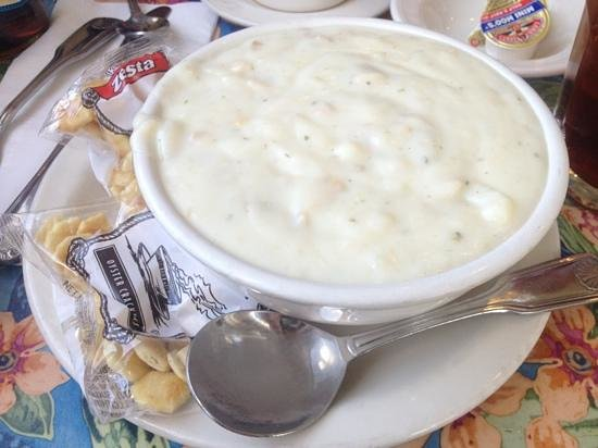 Sea Harvest Fish Market & Restaurant: bowl of clam chowder