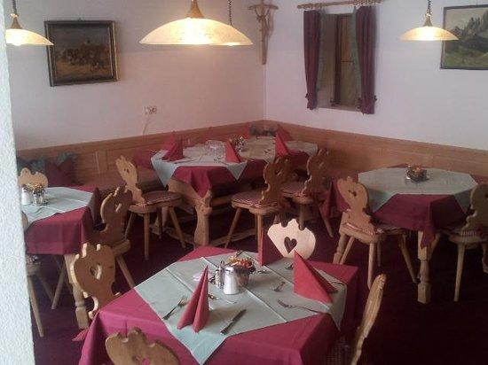 Berghotel Lavenar: Dining Room