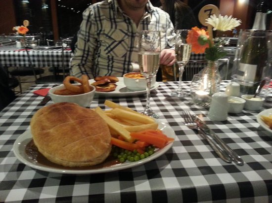 Elie Holiday Park: Steak Pie and a lovely Lasagne