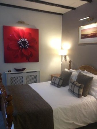 Ardlui Hotel: lovely newly done room