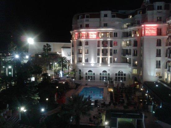 Hôtel Barrière Le Majestic Cannes: Vue de la chambre