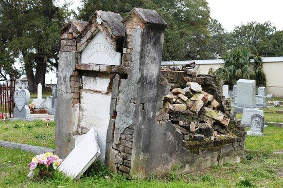 Old Biloxi Cemetery: F.Anton Kuhm Grave