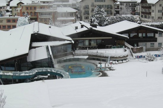 Residence Villa Tramon: Nearby Mar Dolomit Swimming Pool Complex
