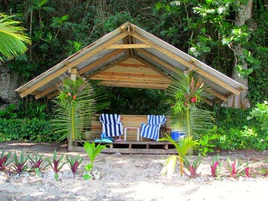 Lalati Resort & Spa: Private Beach picnic