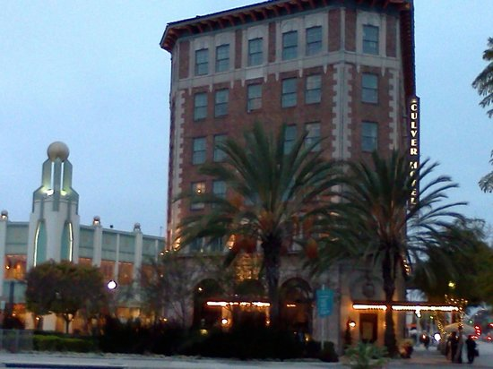The Culver Hotel: hotel in the evening light