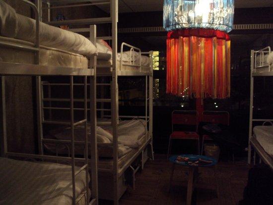 Hostelle: Cuarto 8 camas
