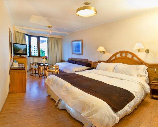 Hotel Cristal: habitacion superior con vista a la calle mitre
