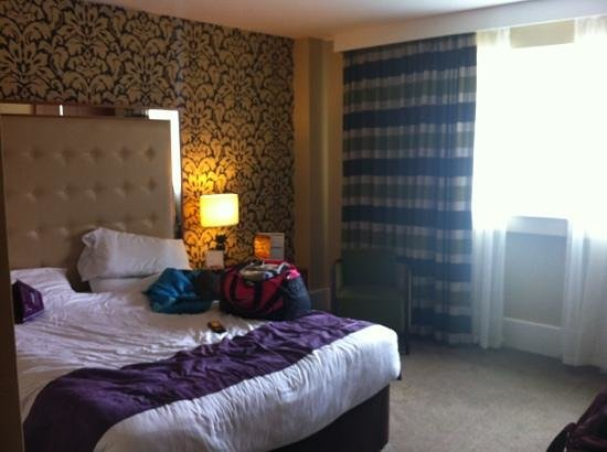 Premier Inn Bournemouth Central Hotel: lovely big rooms