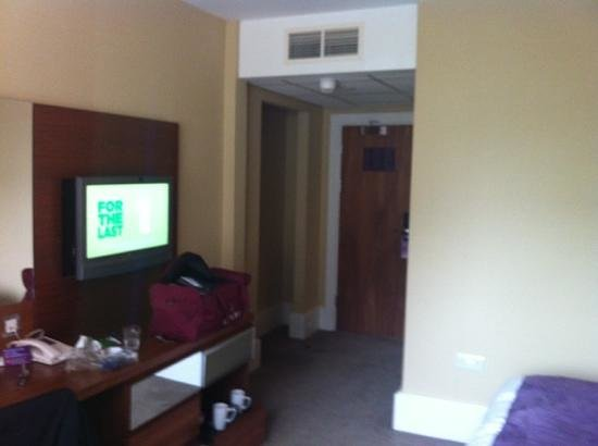 Premier Inn Bournemouth Central Hotel: other half of the room