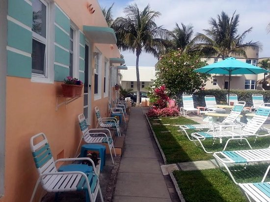 Atlantic Sands Beach Suites: Atlantic Sands Courtyard