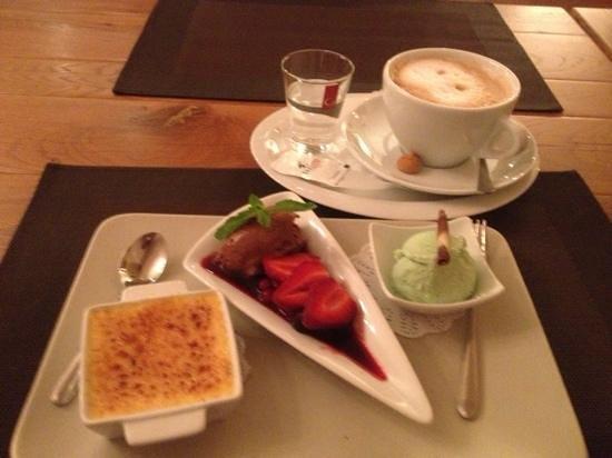 Rieger´s Restaurant: Dessert variation & milchkaffee