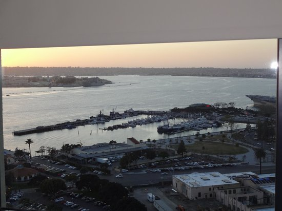 Manchester Grand Hyatt San Diego: sunset view from our room