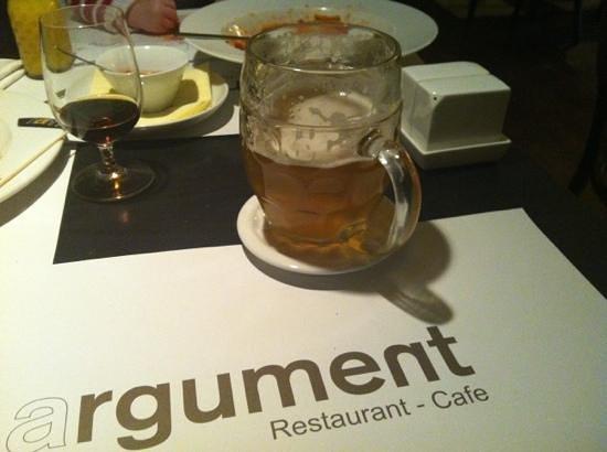 Argument: table after dinner