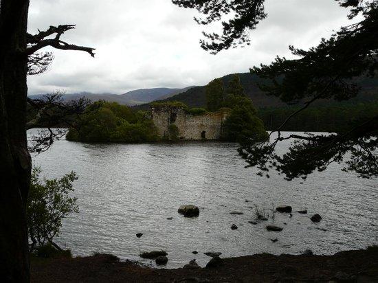 Loch an Eilein: Castle ruins