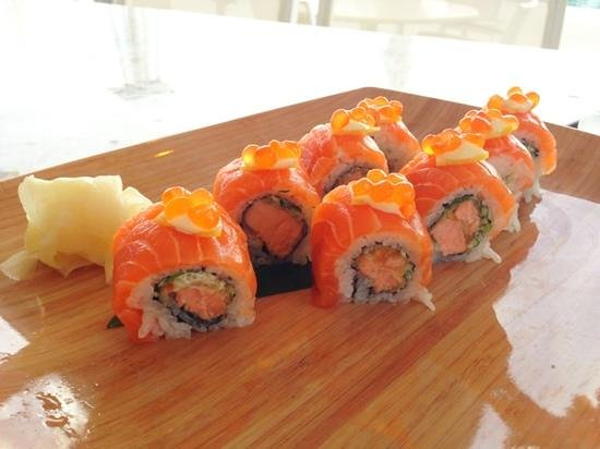 Fisher Island Hotel & Resort: lemon salmon roll
