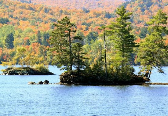 Katahdin Cruises and Moosehead Marine Museum: Don't remeber the story behind these islands...