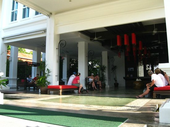 The Old Phuket: Reception - plenty of seating when waiting for shuttle
