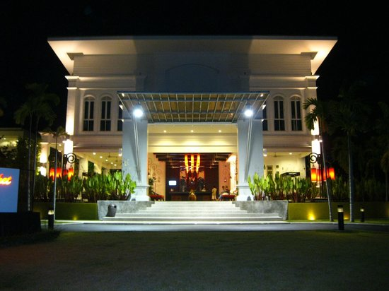 The Old Phuket: The impressive reception