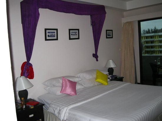 The Old Phuket: comfortable and beautiful bed