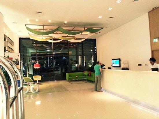Park Inn by Radisson Abu Dhabi Yas Island: Reception