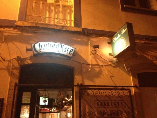 Charlies Place. Alvor