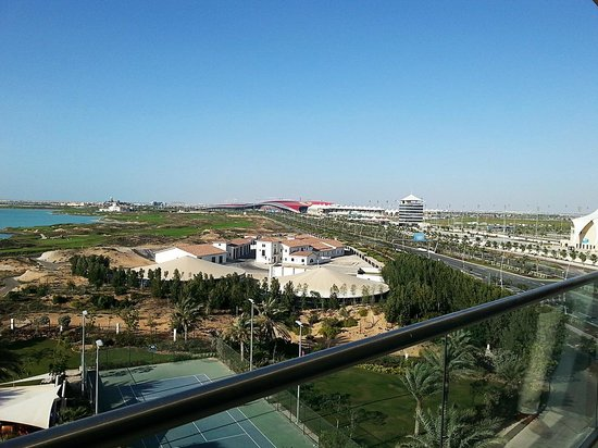 Park Inn by Radisson Abu Dhabi Yas Island: Facing to the Ferrari World (and Du Arena).