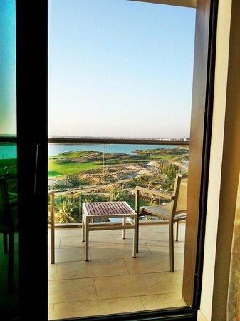 Park Inn by Radisson Abu Dhabi Yas Island: Balcony