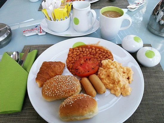 Park Inn by Radisson Abu Dhabi Yas Island: My breakfast