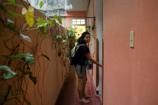 Hostal Leonel: Entrada a la Habitacion