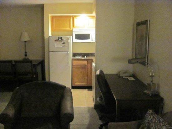 Staybridge Suites near Hamilton Place : Living Area