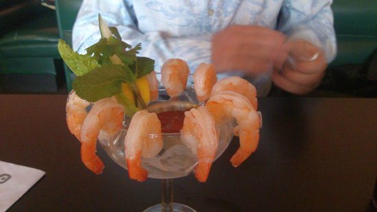 Saigon Moon: shrimp cocktail