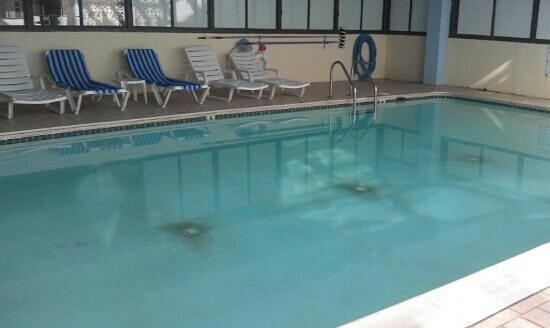 Baymont Inn & Suites Virginia Beach Oceanfront: indoor pool