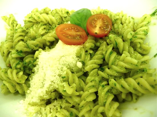 Gusto Gusto: Fresh Pesto...Yummi Yummy !