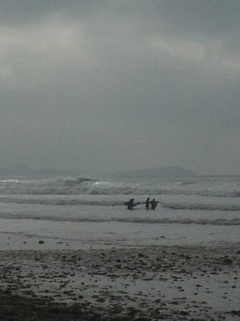 Watergate Bay: 5-6 ft late spring swell.