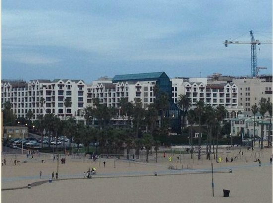 Loews Santa Monica Beach Hotel : Viata Externa