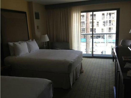 Loews Santa Monica Beach Hotel : Quarto 01