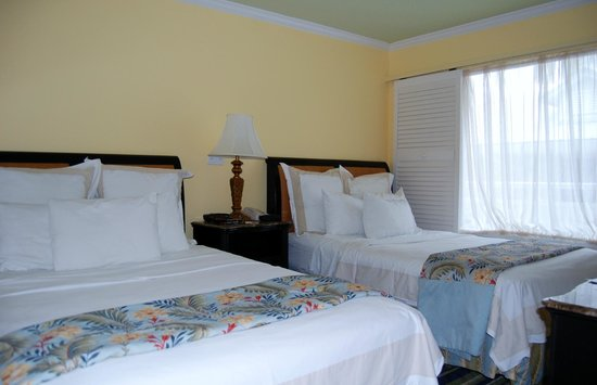 Key Largo Bay Marriott Beach Resort: 2nd bedroom where our kids slept