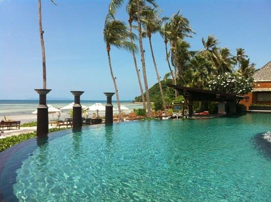 Mai Samui Resort & Spa: ahhh the swim up bar!!!!