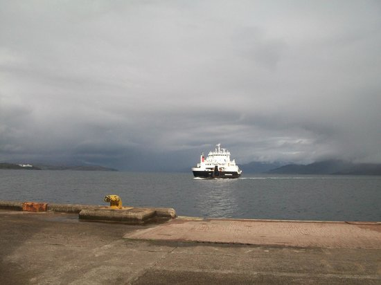 Sonas Bed & Breakfast : Armadale Mallaig Ferry