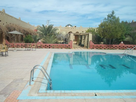Auberge Tinit: pool in the back