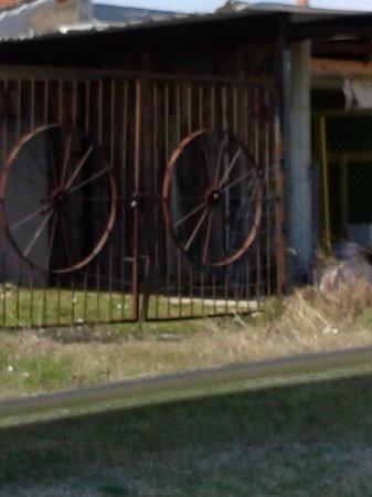 Shadowcreek Ranch: entrance at shadow creek ranch old fort dallas