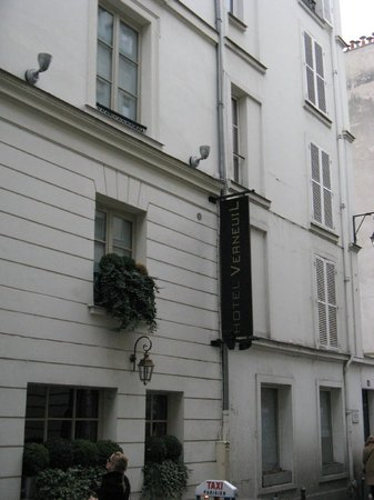 Hotel Verneuil: Building exterior