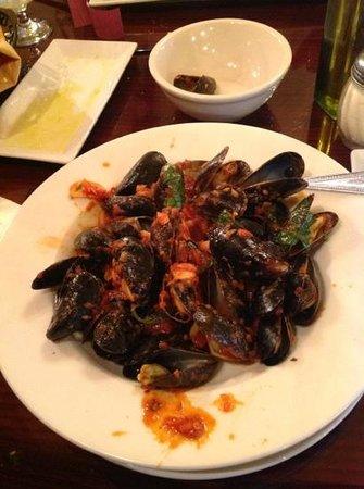Trattoria 903: Mussels Fra Diablo