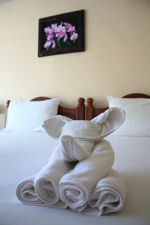 Aonang Goodwill: Charming towel arrangement