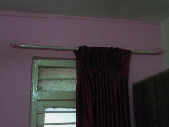 Hotel Ruyale Inn: bath mat